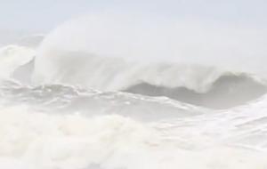 Hurricane Sandy lädt zum Surfen ein